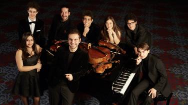 Dünya Sahnelerinde Genç Müzisyenler